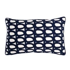 Чехол для подушки с принтом Twirl темно-синего цвета и декоративной окантовкой Cuts&Pieces 30х50 Tkano