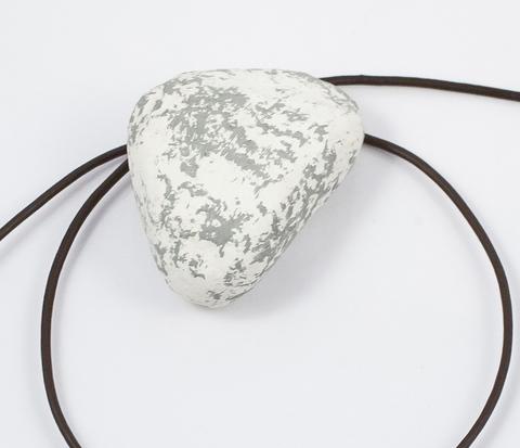 PL250-4 Светло-коричневый кожаный шнур с застежкой (50 см)