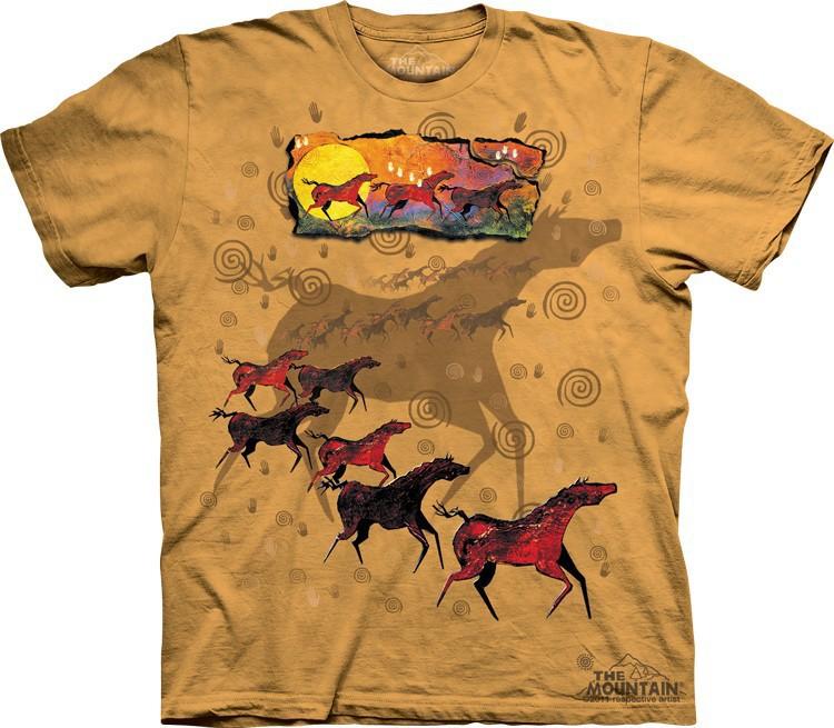 Футболка Mountain с изображением диких красных лошадей - Wild Red Horses