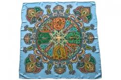 Итальянский платок из шелка голубой с орнаментом 5552