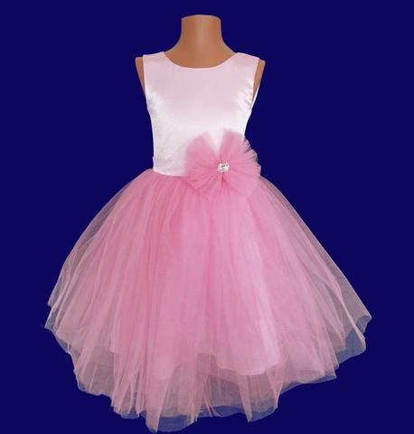 Пышное розовое платье