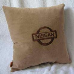 Подушка автомобильная с логотипом NISSAN