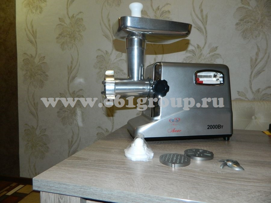 2 Мясорубка электрическая Комфорт Люкс Умница MЭ-2000Вт серебряный цвет корпуса купить