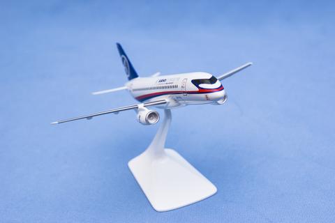 Модель самолета SSJ-100 (М1:144, ГСС)