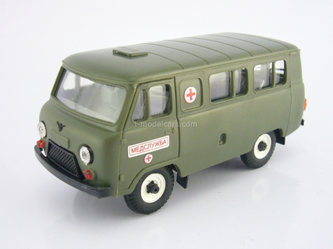 UAZ-3962 bus Medical Service plastic khaki Agat Mossar Tantal 1:43