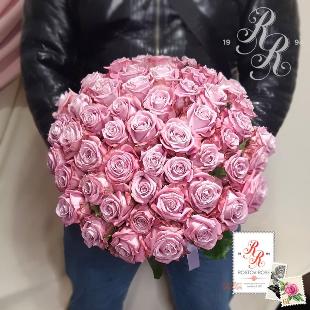 Букет 101 местная сиреневая роза