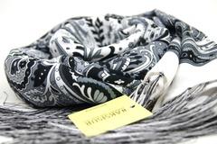 Шарф черно-белых оттенков 2 в Русском стиле фото 3