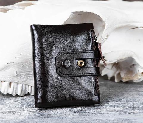 Вместительный мужской кошелек из черной кожи