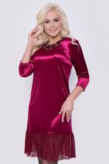 Шикарное платье свободного кроя из бархата, с воланом из гипюра. Рукав 3/4..Длина платья 93см.(все размеры).