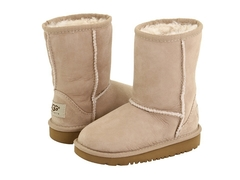 /collection/dlya-devochek/product/ugg-kids-classic-sand