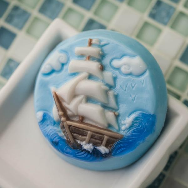Пластиковая форма для мыла Море. Корабль
