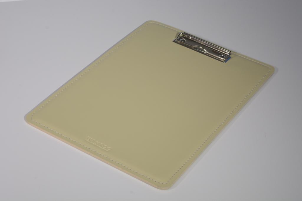 Кожаный планшет с верхним зажимом А4 Classic.
