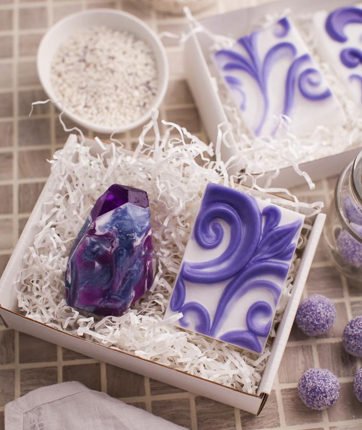 Мыло с орнаментом, ручная работа с формой