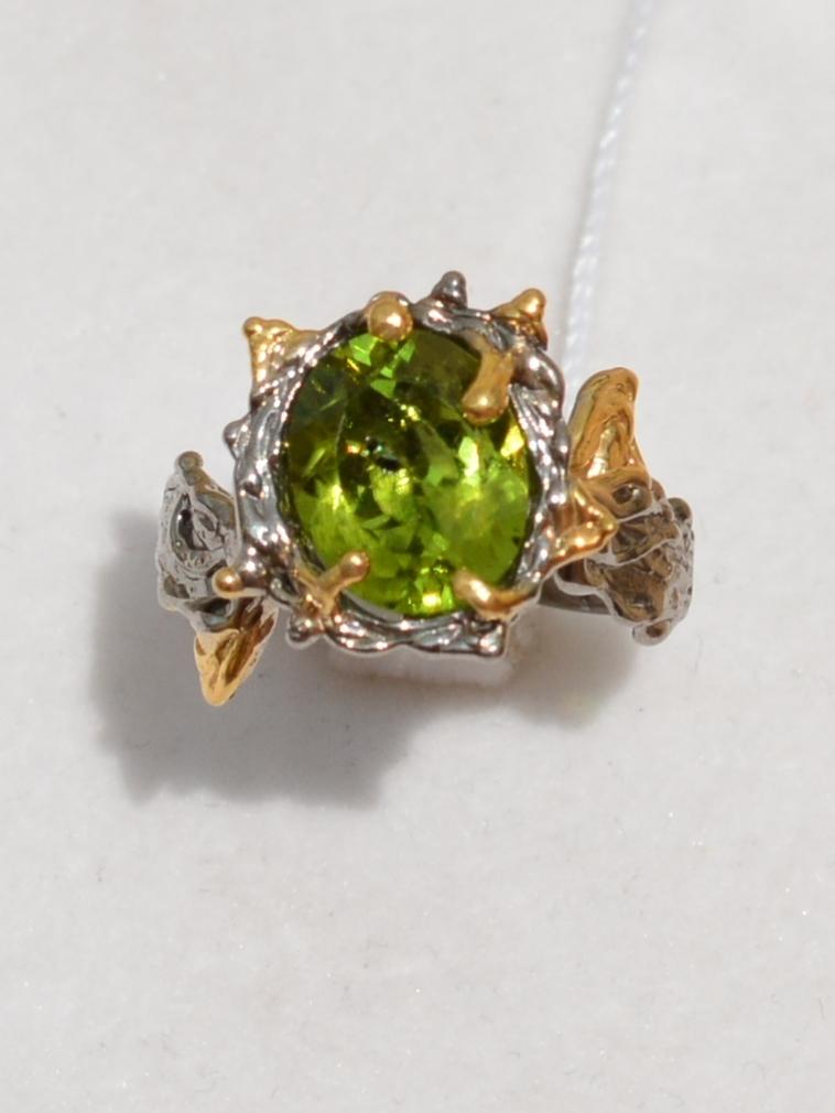 Монтре-хризолит (серебряное кольцо с позолотой)