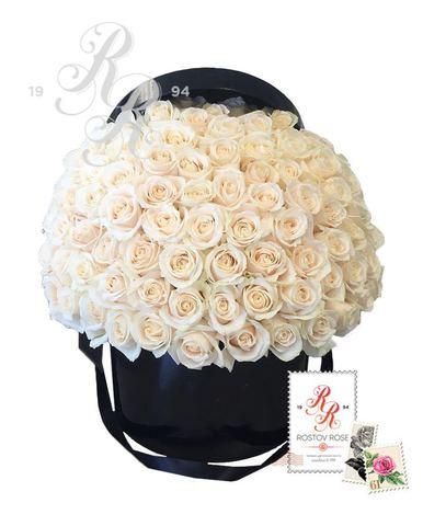 Белая роза в коробке