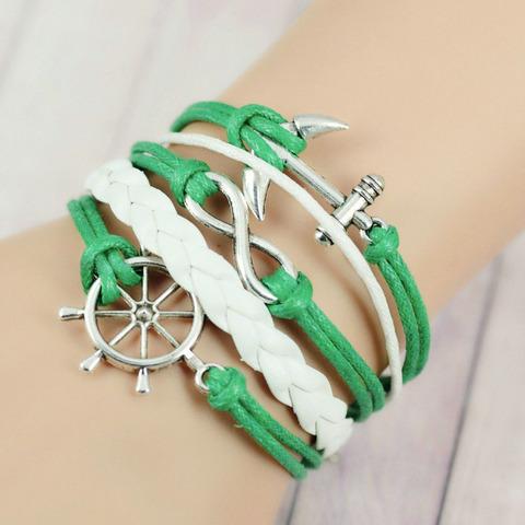 Зеленый браслет с якорем и штурвалом