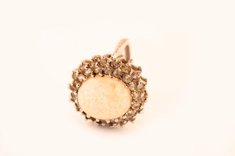Изысканное серебряное кольцо с  кабошоном под опал от Panetta