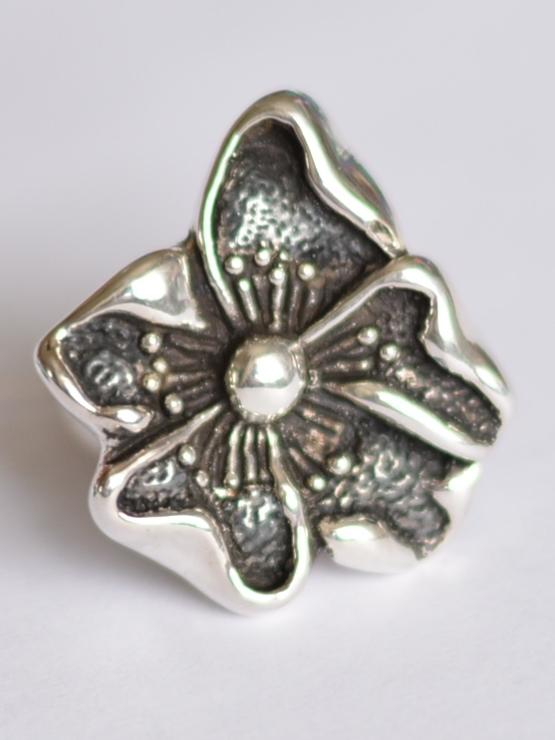 Цветок яблони (кольцо из серебра)