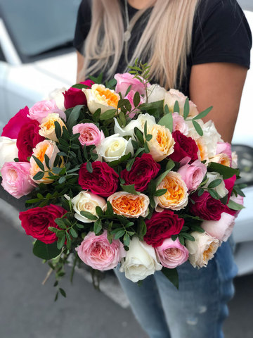 Букет из пионовидных английских роз