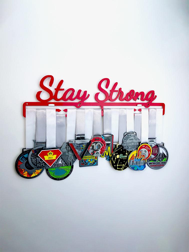 Медальница Stay Strong (клубничный)