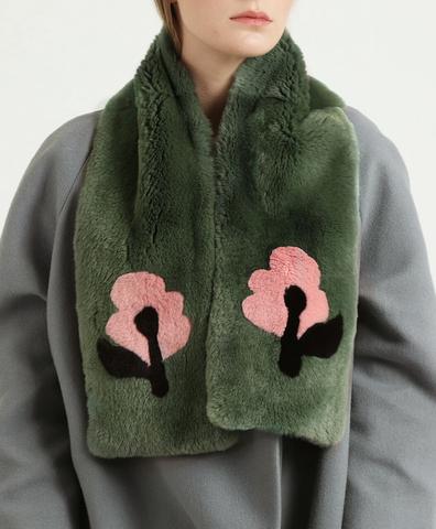 Шарф симметричный зеленый с розовыми цветами