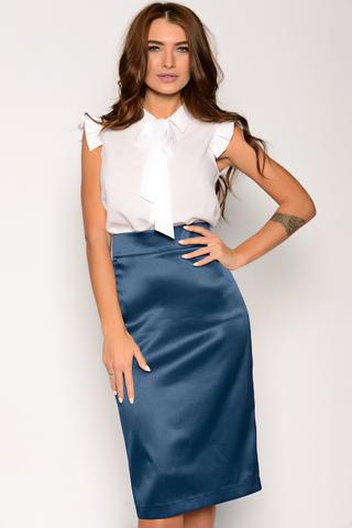 Неподвластный ни капризам моды, ни времени предмет женского гардероба. Будет смотреться эффектно как в составе строгого делового костюма, так и в соблазнительном вечернем образе.  Пояс с замком.(Длина: 44,46,48 = 63см; 50=64см; 52=65см;)