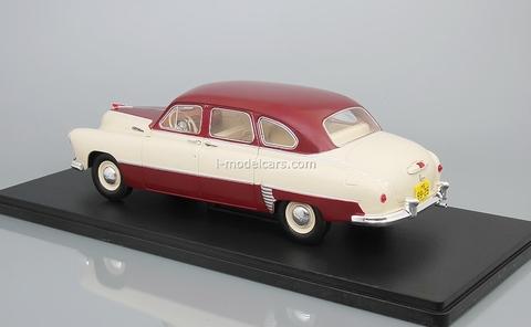 ZIM-12 (GAZ-12) red-beige 1:24 Legendary Soviet cars Hachette #14