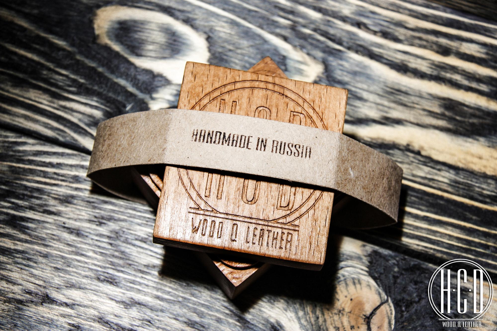 Деревянное кольцо с глубоко прокрашенными волокнами (Дуб)