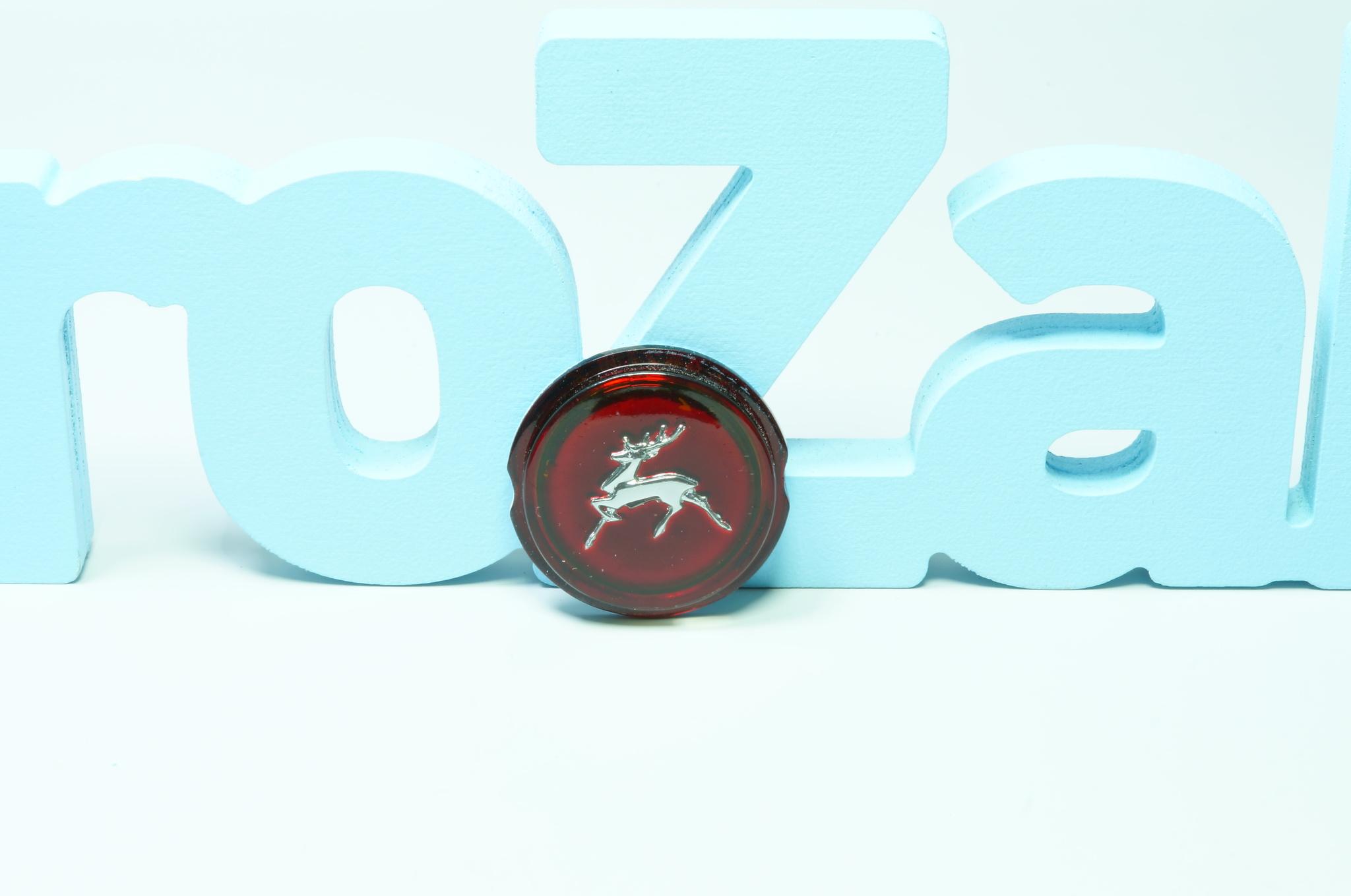 Эмблема задней птицы пластик Газ 21 3 серии