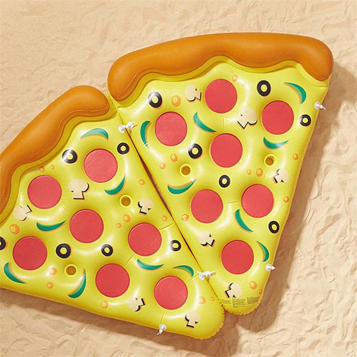 Кусочек пиццы на отдыхе не будет лишним