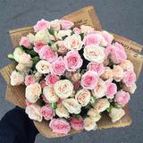 Букет из 19 нежно розовых кустовых роз