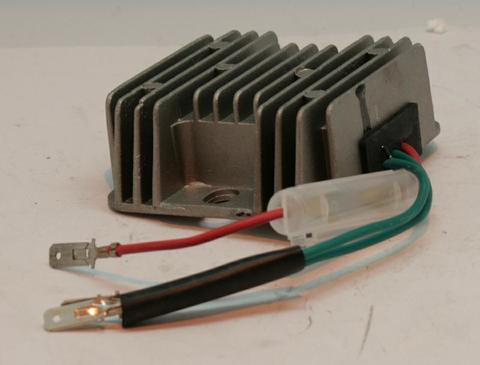 Блок заряда аккумулятора DDE DPG7201i 12v/10A, шт