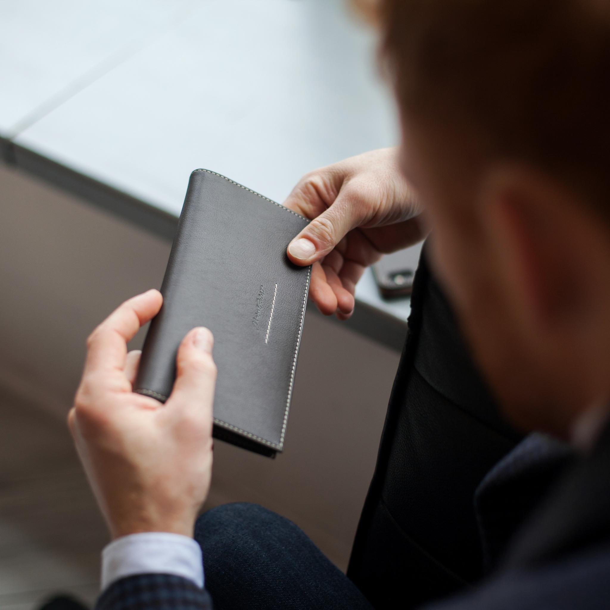 Длинный кошелек Lingot Easy из натуральной кожи теленка, темно-коричневого цвета
