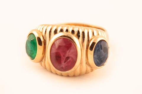 Роскошное кольцо от Dior