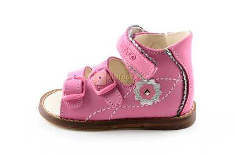 Босоножки Тотто на первый шаг из натуральной кожи открытые для девочек, цвет розовый. Изображение 3 из 10.