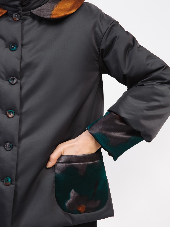Куртка нейлоновая