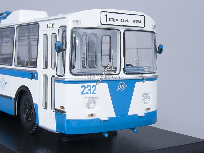 ZIU-682B trolleybus with operating rod blue-white Start Scale Models (SSM) 1:43