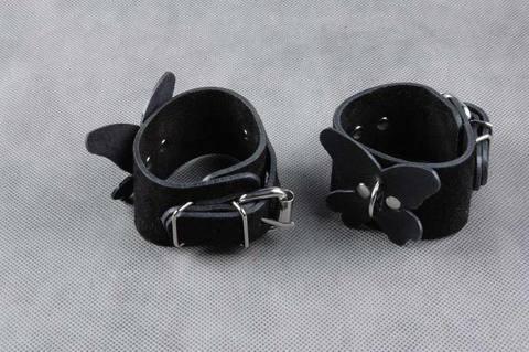 Велюровые наручники