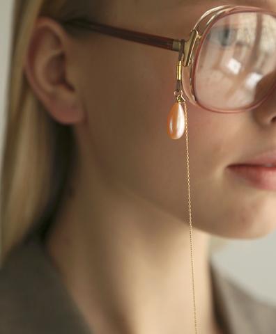 Цепочка для очков с жемчужинами в виде капли