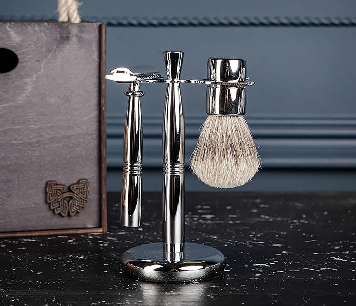 RAZ484 Подарочный набор для бритья: подставка, станок и помазок