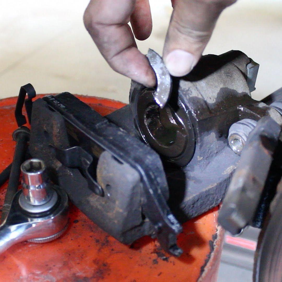 Ремонт суппорта дисковых тормозов фото-1