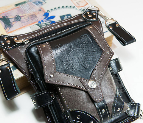 BAG373 Крутая набедренная сумка из кожи с клепками на карабинах