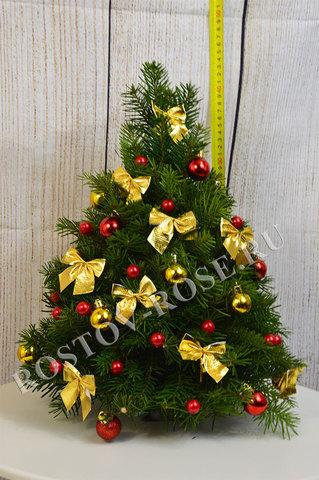Новогодняя наряженная ель (красно-желтая)
