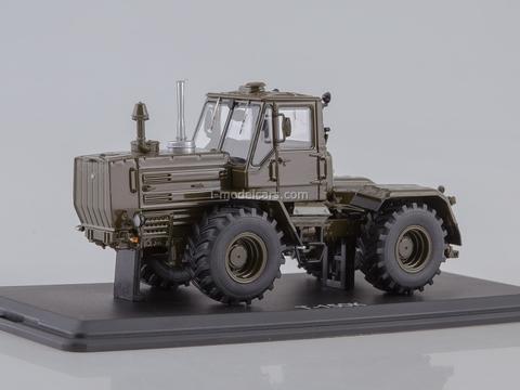 Tractor T-150K khaki 1:43 Start Scale Models (SSM)
