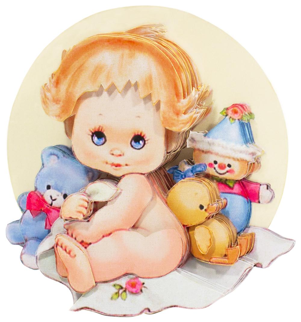Папертоль Малыш с игрушками — готовая работа, вид сбоку.