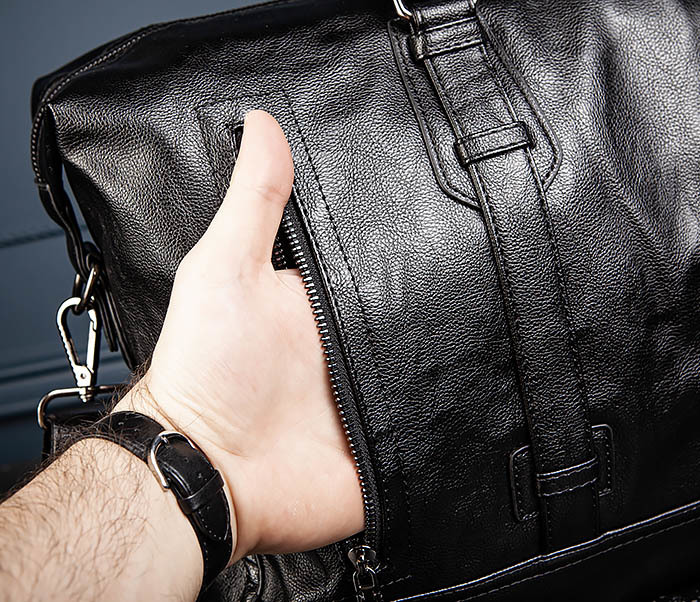 BAG543 Крупная дорожная сумка из кожи черного цвета фото 11