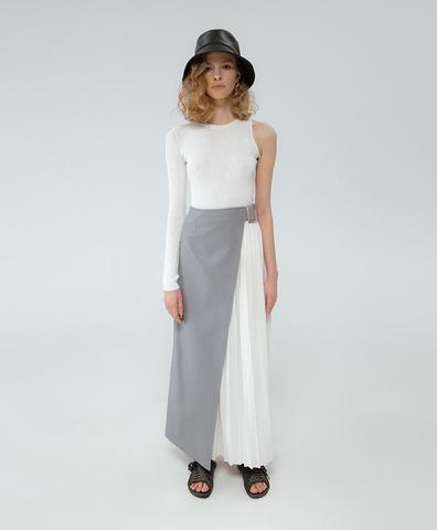 Кожаная юбка серого цвета с плиссировкой