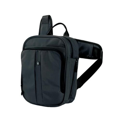 Качественная прочная наплечная вертикальная сумка чёрная объёмом 6 л из нейлона 800D с возможностью ношения в 3 положениях VICTORINOX Deluxe Travel Companion 31174201