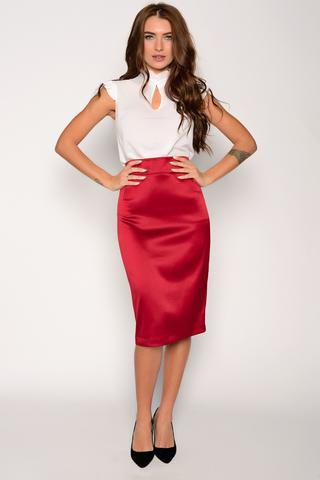 Неподвластный ни капризам моды, ни времени предмет женского гардероба. Будет смотреться эффектно как в составе строгого делового костюма, так и в соблазнительном вечернем образе.  Пояс с замком. (Длина: 44,46,48 = 63см; 50=64см; 52=65см;)
