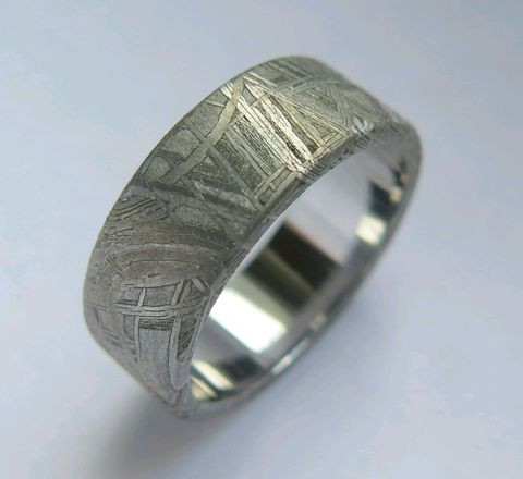 Кольцо из метеорита Муонионалуста. Форма